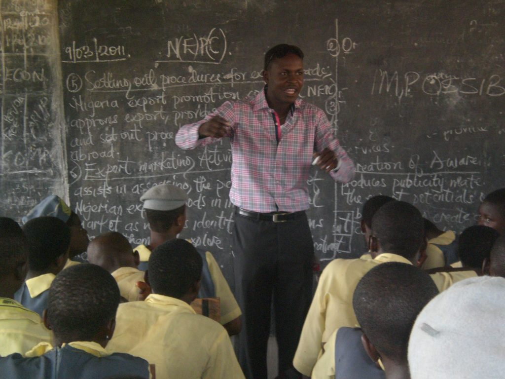 Bada Akintunde Johnson teaching The Way To The Top at Ayedeere Ajibola Senior School, Ketu