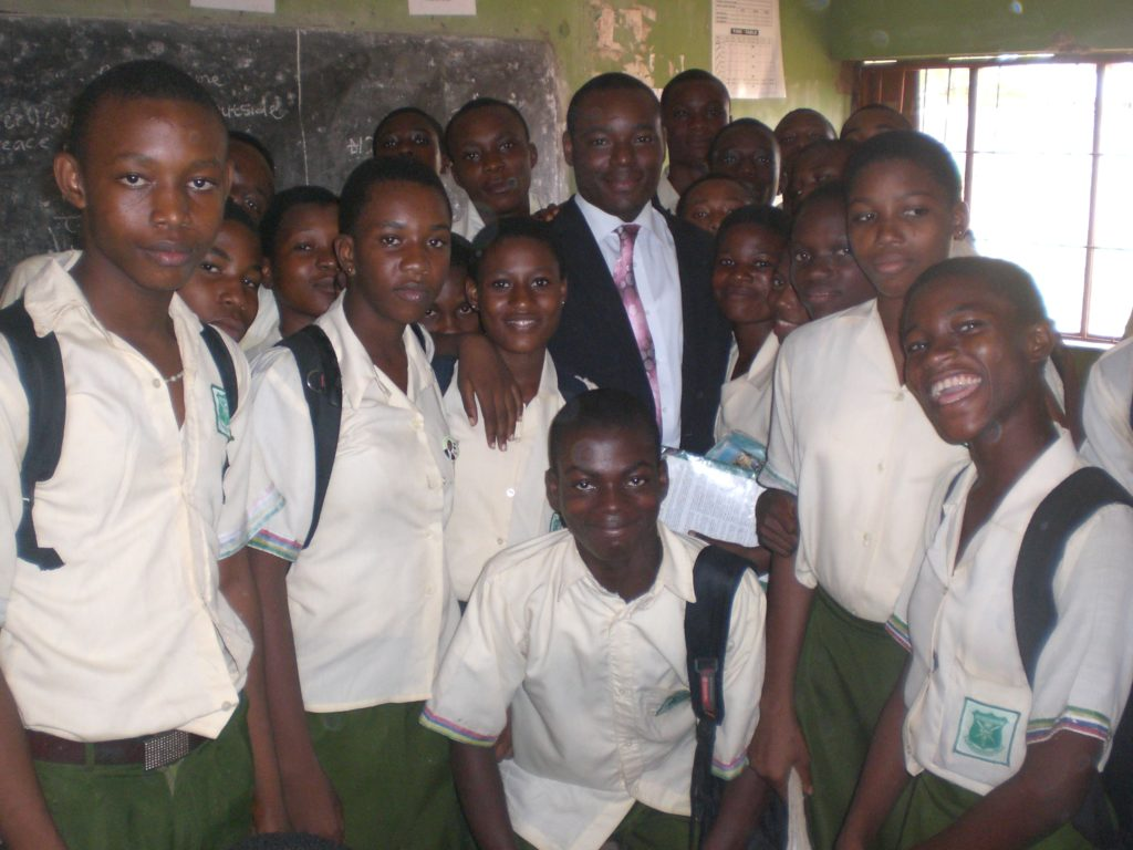 Toyin Aromire with Students of Isheri Senior School at DoTheDream Leadership Seminar